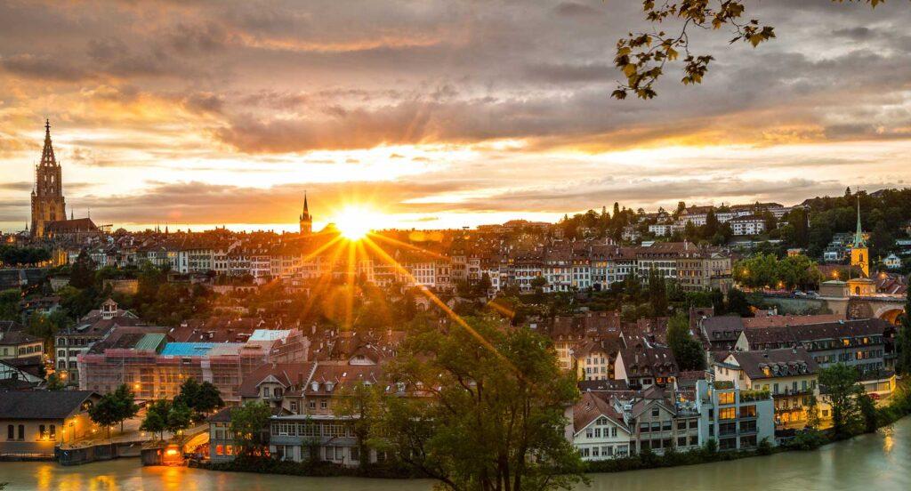 Headerbild Logopädie-Team Bern, Abendstimmung Berner Altstadt